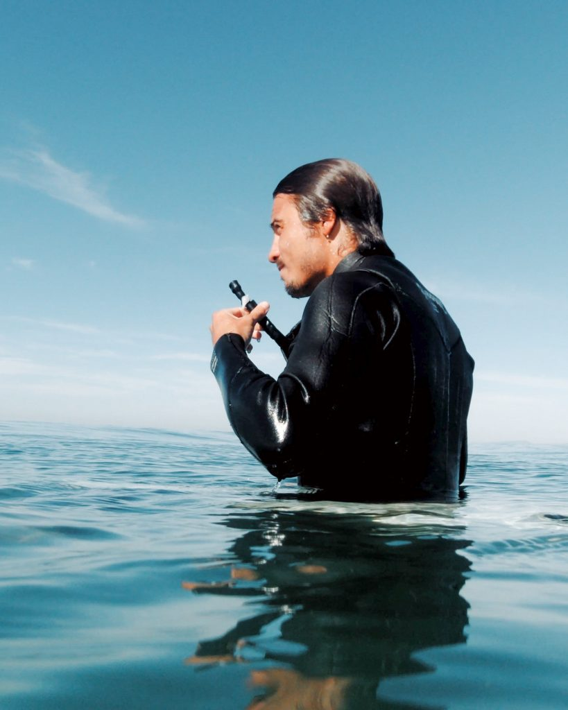 We took a Look at SurfStraw - The worlds first waterbottle for wetsuits
